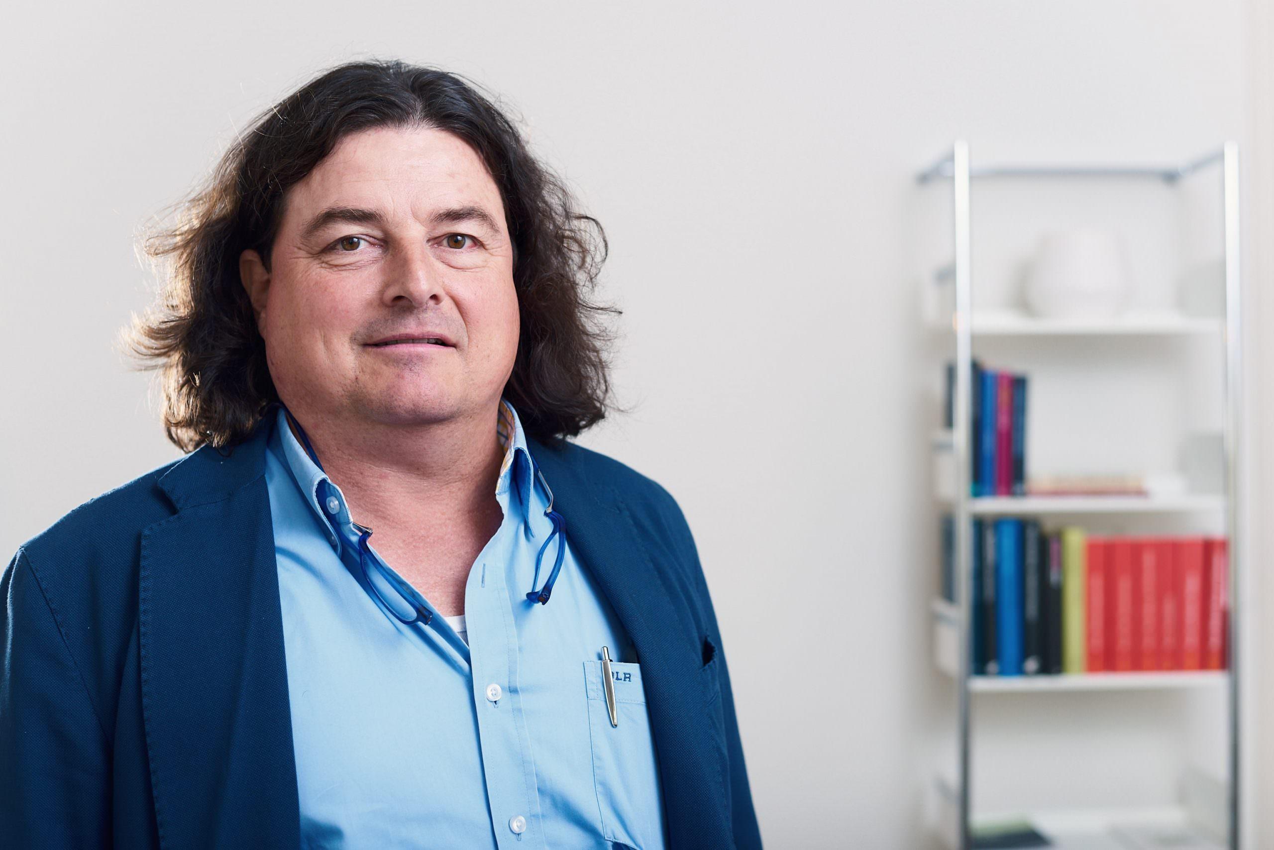 Dieter Leonhardt – Finanzen